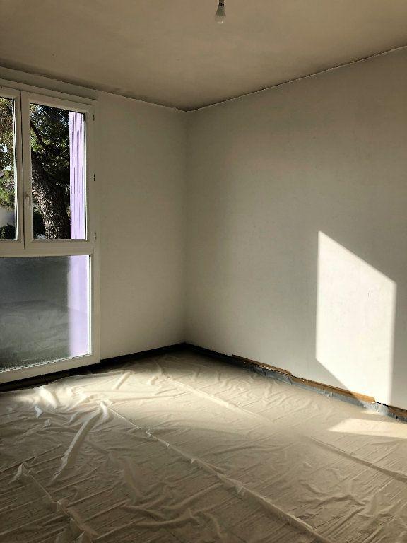 Appartement à louer 4 75.64m2 à Manosque vignette-4