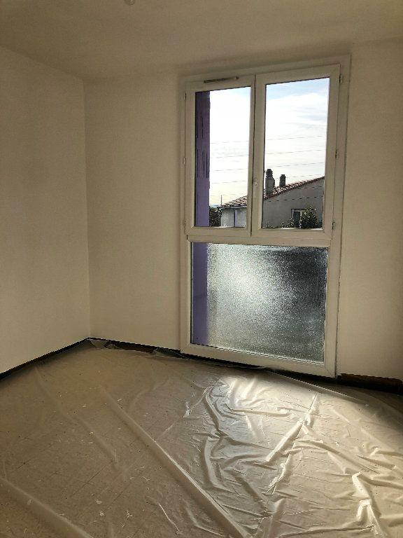 Appartement à louer 4 75.64m2 à Manosque vignette-5