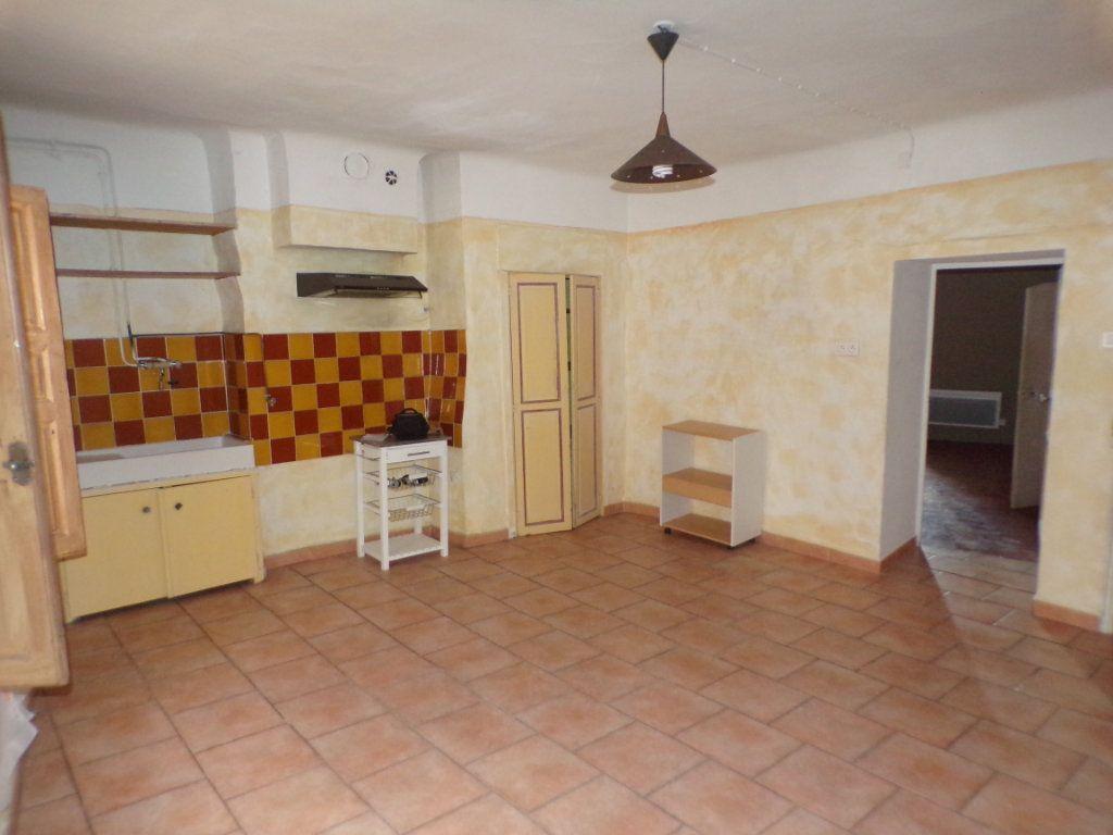 Appartement à louer 2 70m2 à La Tour-d'Aigues vignette-6