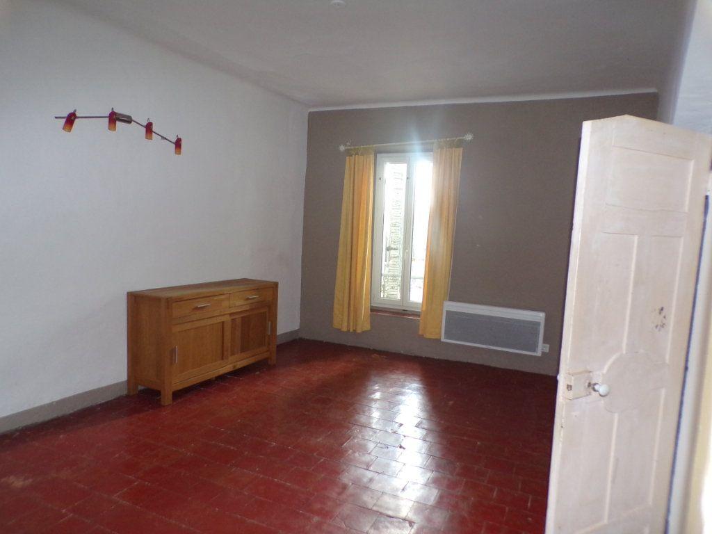 Appartement à louer 2 70m2 à La Tour-d'Aigues vignette-7