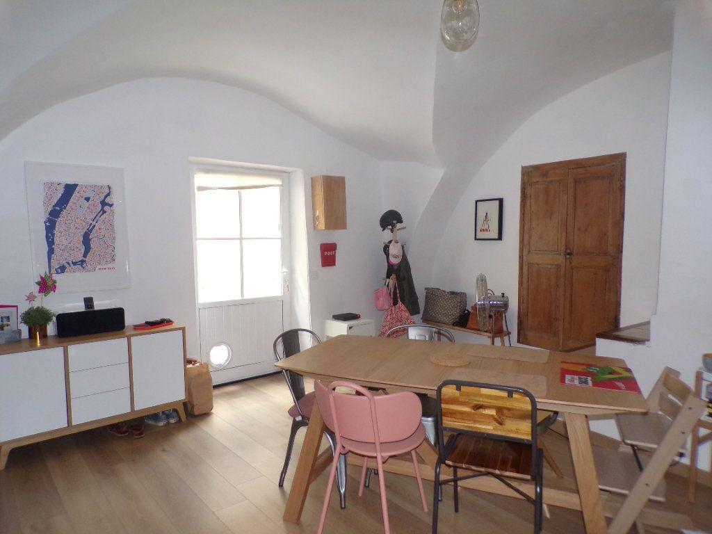 Maison à vendre 4 80m2 à La Tour-d'Aigues vignette-1