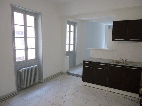 Appartement à louer 3 54m2 à Carpentras vignette-2