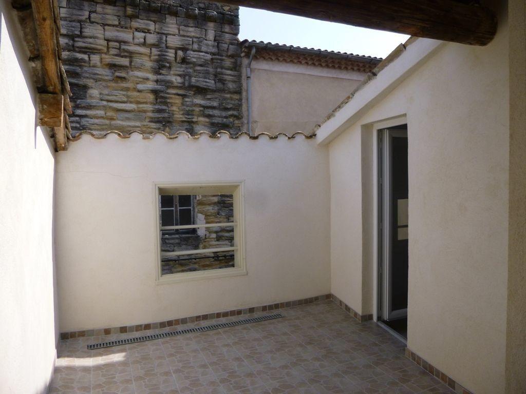 Maison à louer 3 85m2 à Carpentras vignette-1