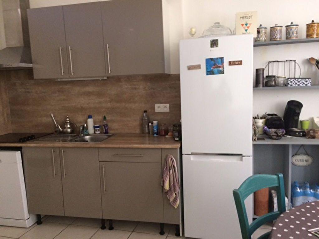 Maison à louer 3 85m2 à Carpentras vignette-2