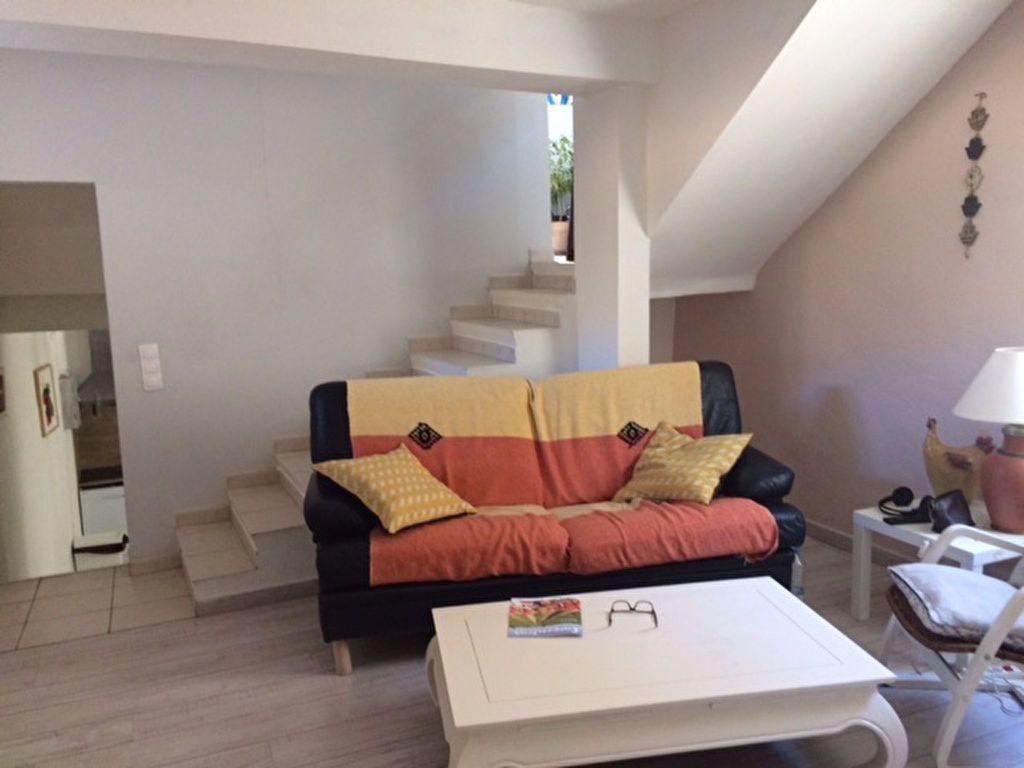 Maison à louer 3 85m2 à Carpentras vignette-4