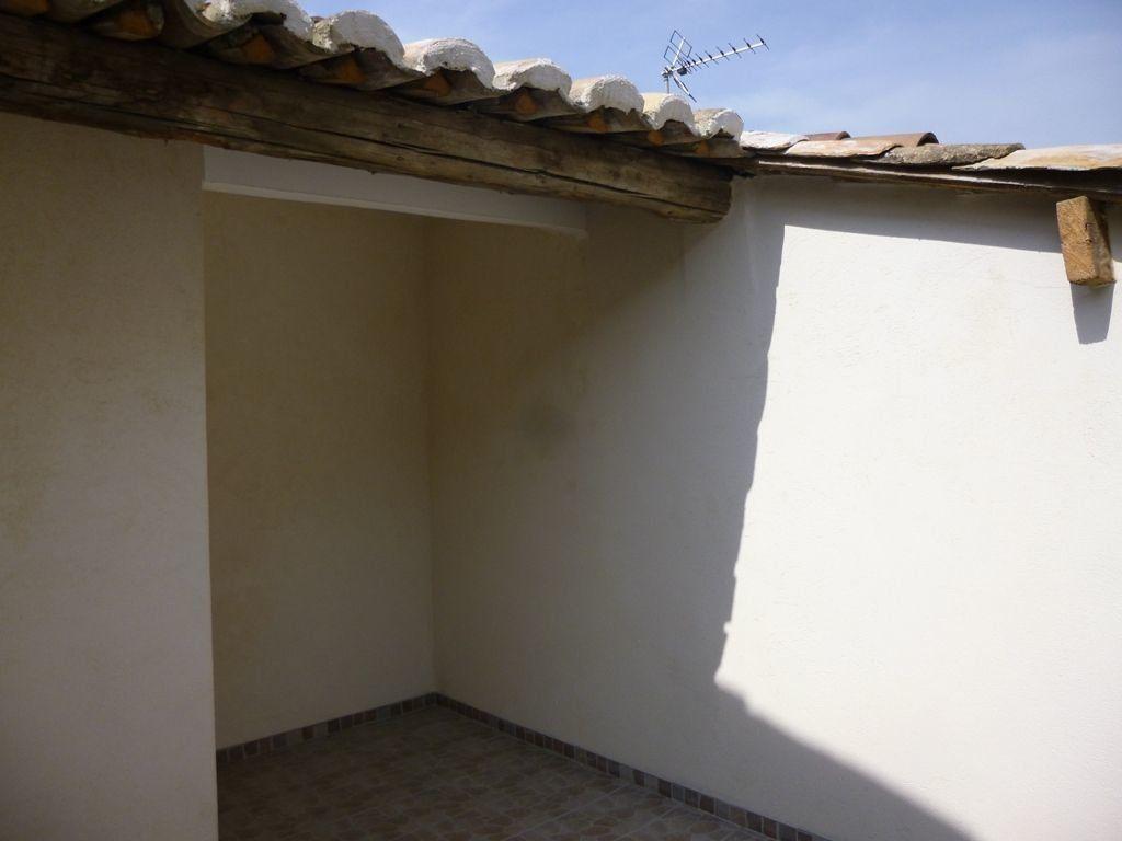 Maison à louer 3 85m2 à Carpentras vignette-9