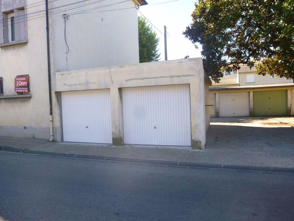 Stationnement à louer 0 15m2 à Carpentras vignette-1