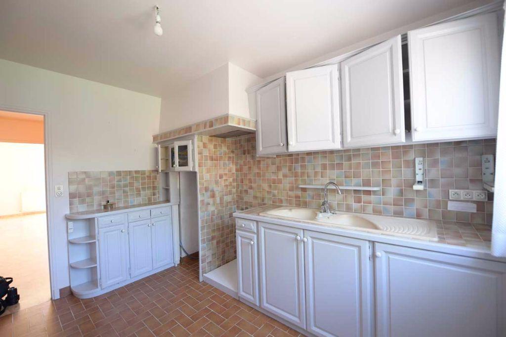 Appartement à louer 5 99.48m2 à Carpentras vignette-2