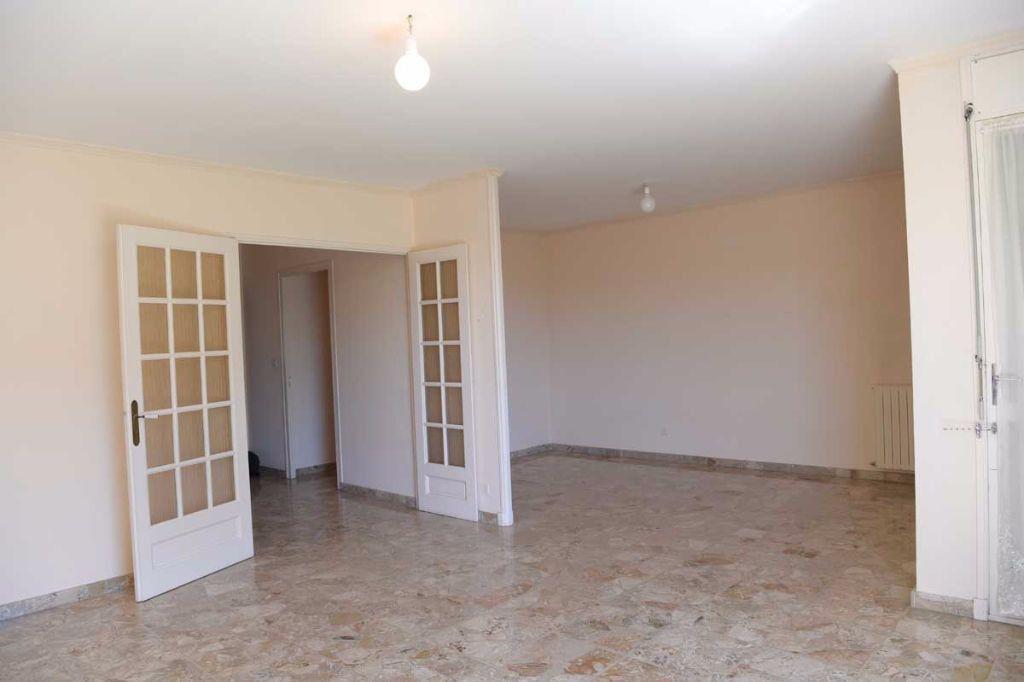 Appartement à louer 5 99.48m2 à Carpentras vignette-3