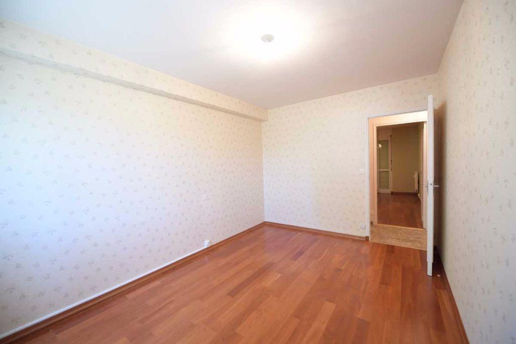 Appartement à louer 5 99.48m2 à Carpentras vignette-8
