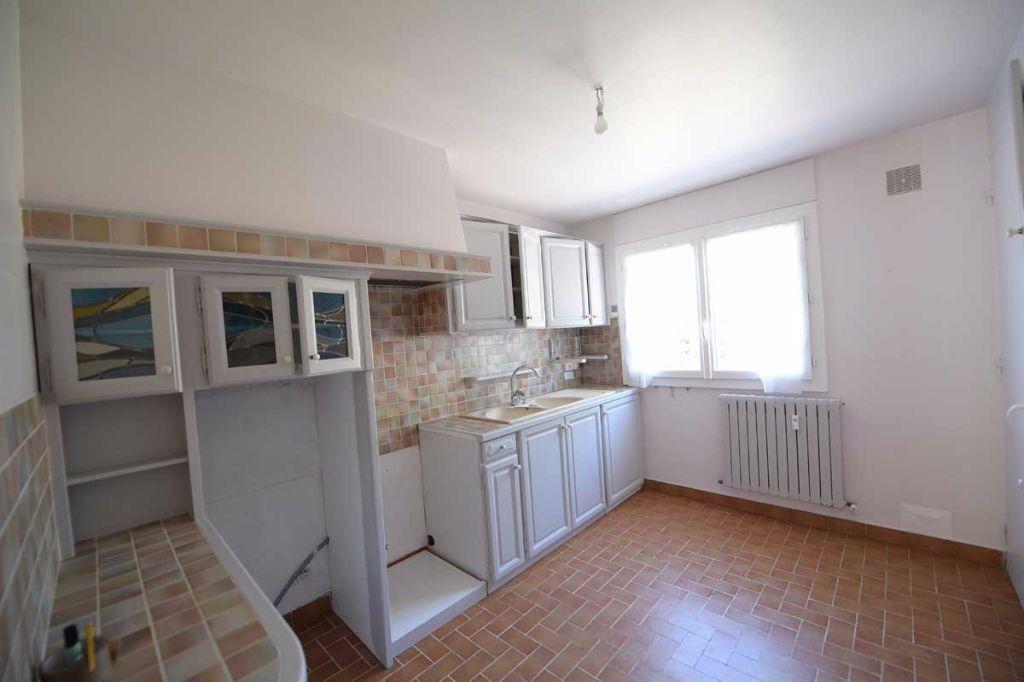 Appartement à louer 5 99.48m2 à Carpentras vignette-9