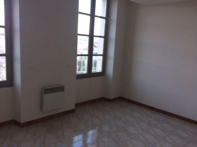 Appartement à louer 3 65m2 à Carpentras vignette-2