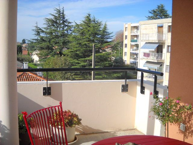 Appartement à vendre 3 63m2 à Carpentras vignette-1