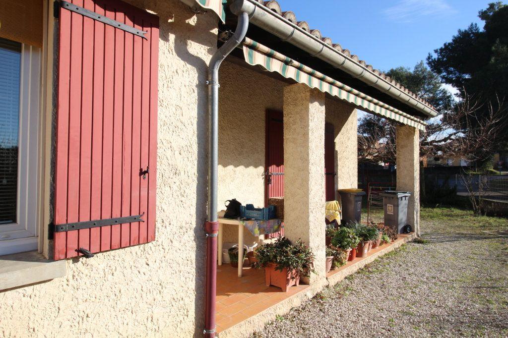 Maison à vendre 3 75m2 à Carpentras vignette-3