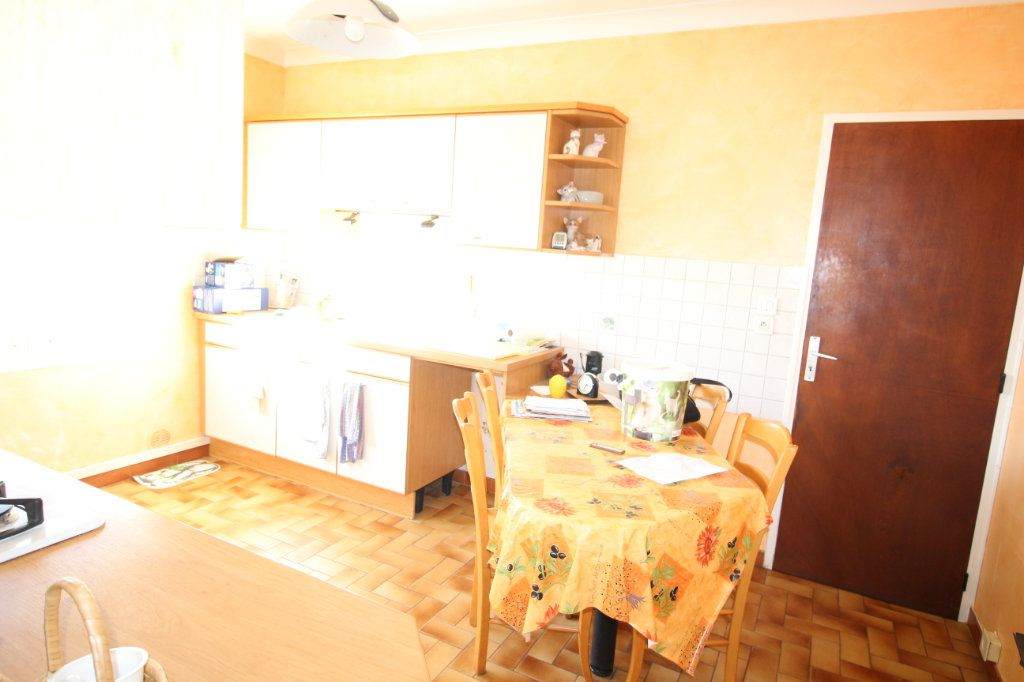 Maison à vendre 3 75m2 à Carpentras vignette-7