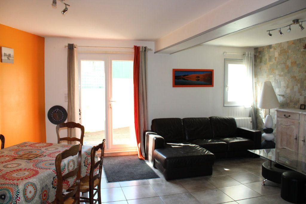 Maison à vendre 5 96m2 à Malemort-du-Comtat vignette-4