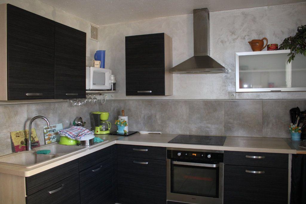 Maison à vendre 5 96m2 à Malemort-du-Comtat vignette-6