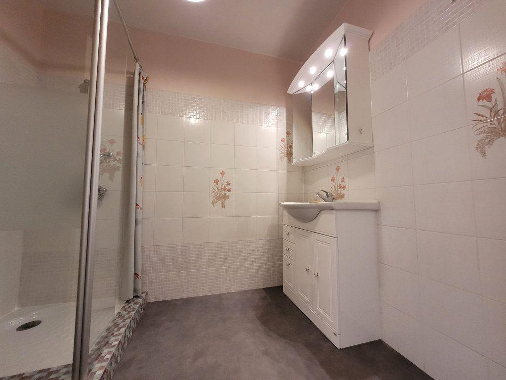 Appartement à vendre 3 81.01m2 à Carpentras vignette-6