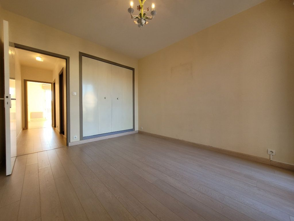Appartement à vendre 3 81.01m2 à Carpentras vignette-7