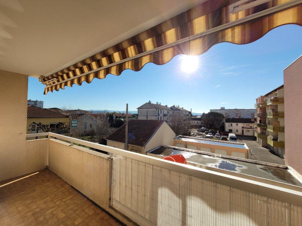 Appartement à vendre 3 81.01m2 à Carpentras vignette-8