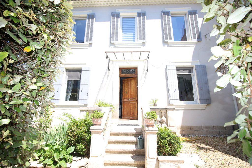 Maison à vendre 6 140m2 à Carpentras vignette-1