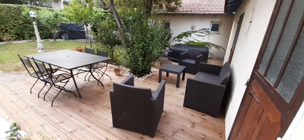Maison à vendre 6 140m2 à Carpentras vignette-2