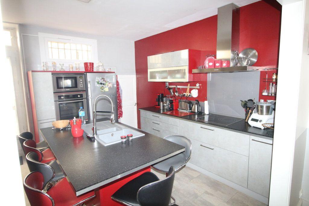 Maison à vendre 6 140m2 à Carpentras vignette-3