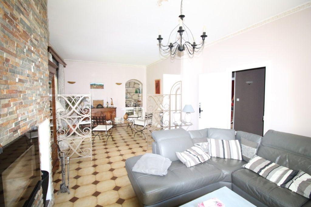 Maison à vendre 6 140m2 à Carpentras vignette-4