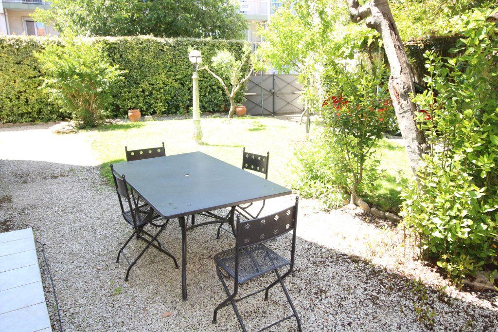 Maison à vendre 6 140m2 à Carpentras vignette-14