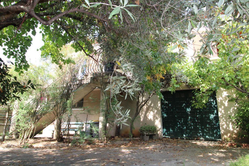 Maison à vendre 4 90m2 à Carpentras vignette-9