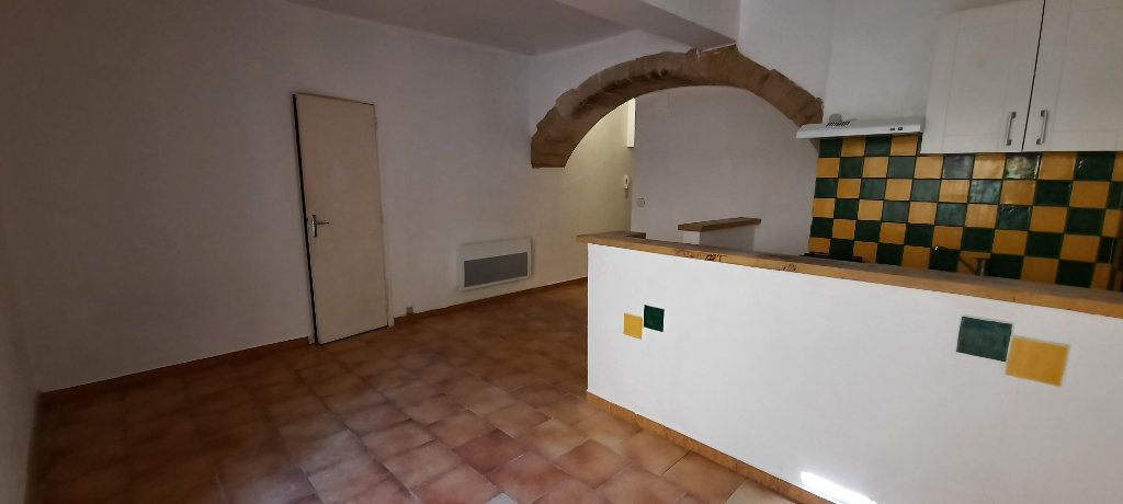Appartement à louer 1 29m2 à Carpentras vignette-2