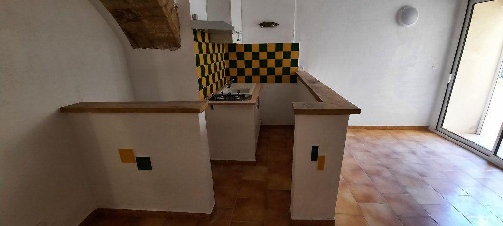 Appartement à louer 1 29m2 à Carpentras vignette-4