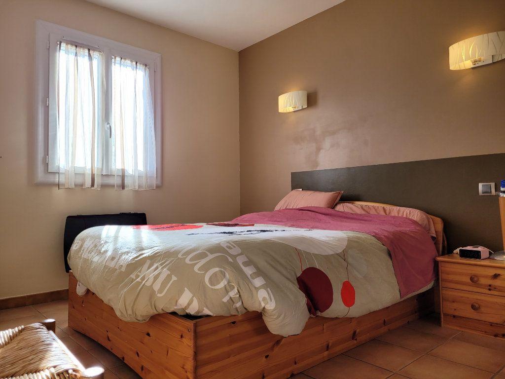 Maison à vendre 4 103m2 à Carpentras vignette-6