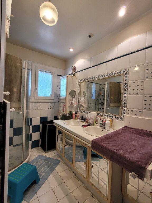 Maison à vendre 4 103m2 à Carpentras vignette-7