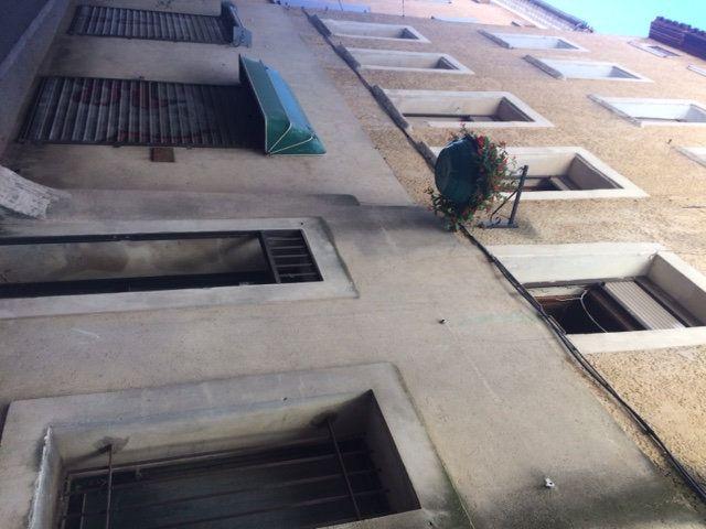 Appartement à louer 1 32m2 à Carpentras vignette-2