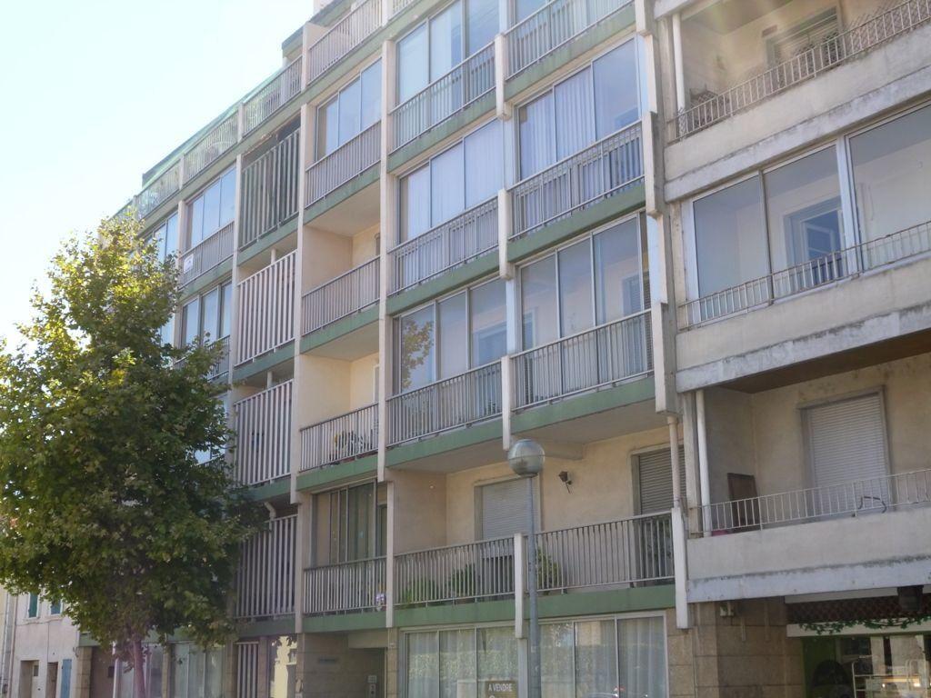 Appartement à vendre 1 27m2 à Carpentras vignette-3