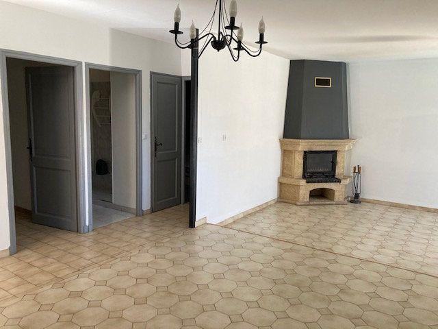 Maison à louer 4 90m2 à Carpentras vignette-4