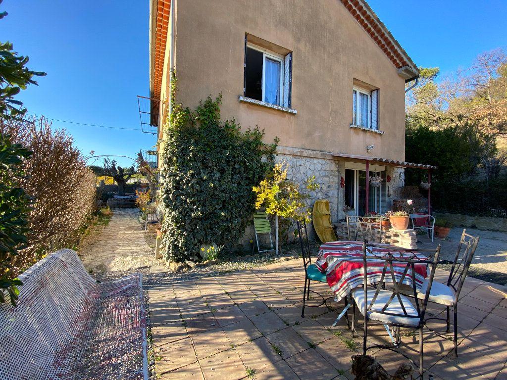 Maison à vendre 6 125m2 à Vaison-la-Romaine vignette-1