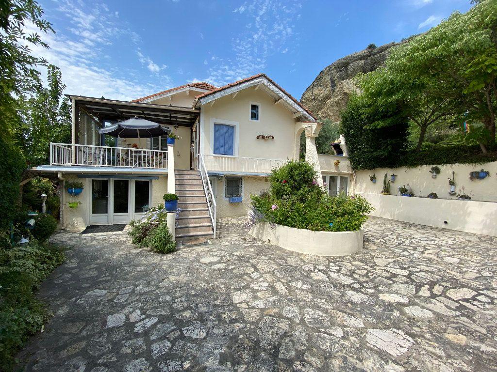 Maison à vendre 8 155m2 à Vaison-la-Romaine vignette-1