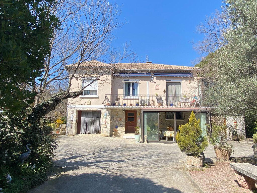 Maison à vendre 6 126m2 à Vaison-la-Romaine vignette-1