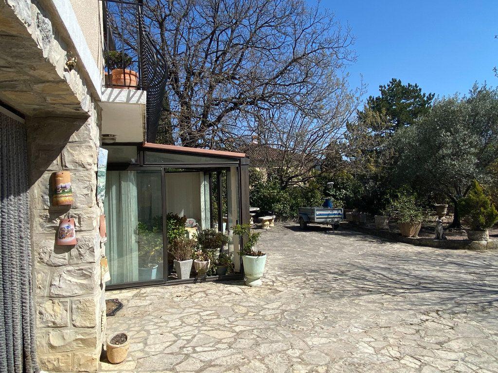 Maison à vendre 6 126m2 à Vaison-la-Romaine vignette-17