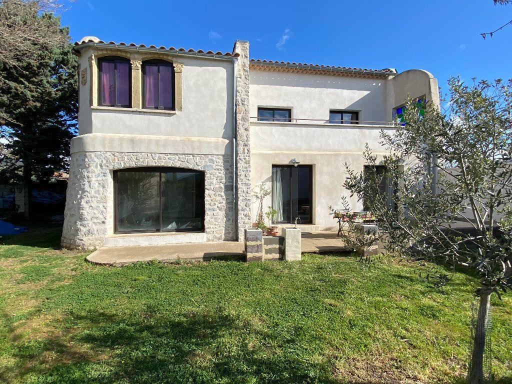 Maison à vendre 7 230m2 à Vaison-la-Romaine vignette-1