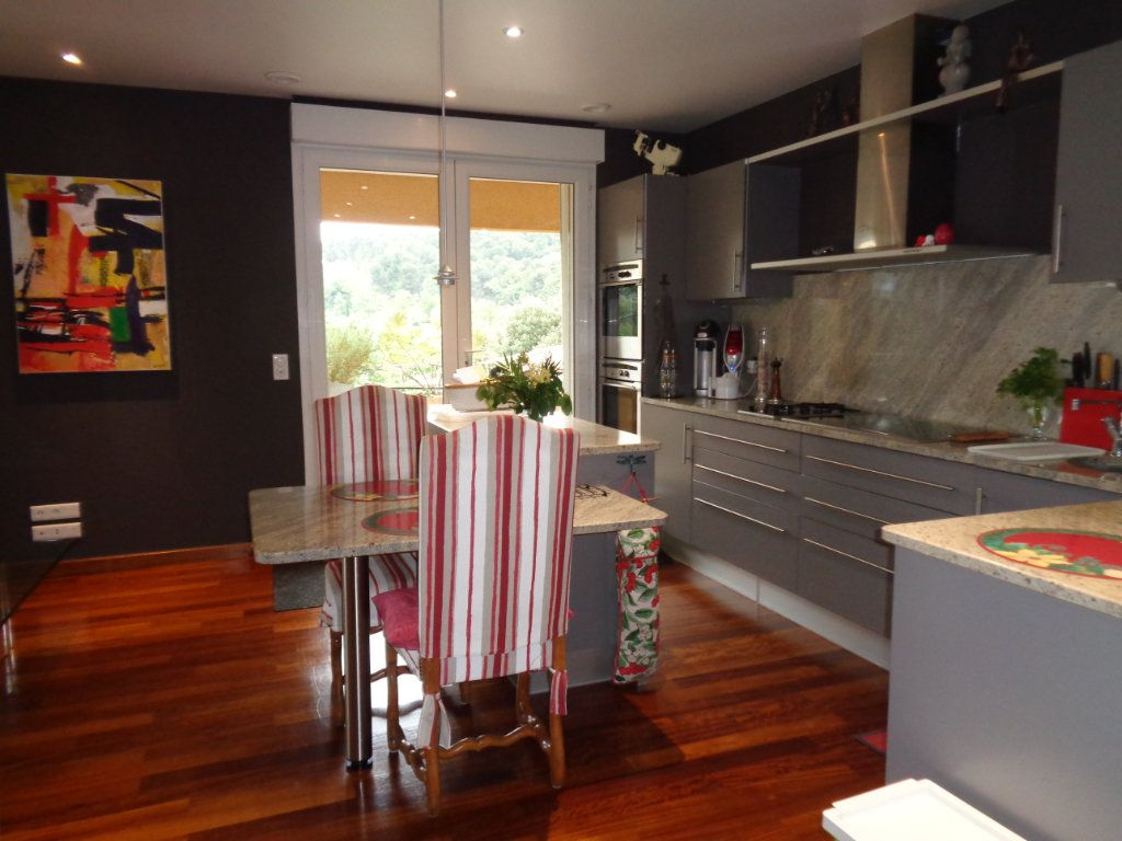 Appartement à vendre 4 163m2 à Vaison-la-Romaine vignette-3