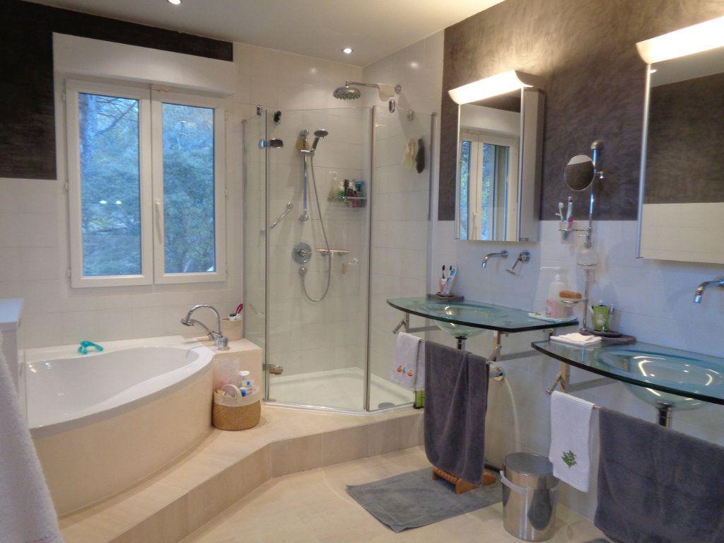 Appartement à vendre 4 163m2 à Vaison-la-Romaine vignette-4