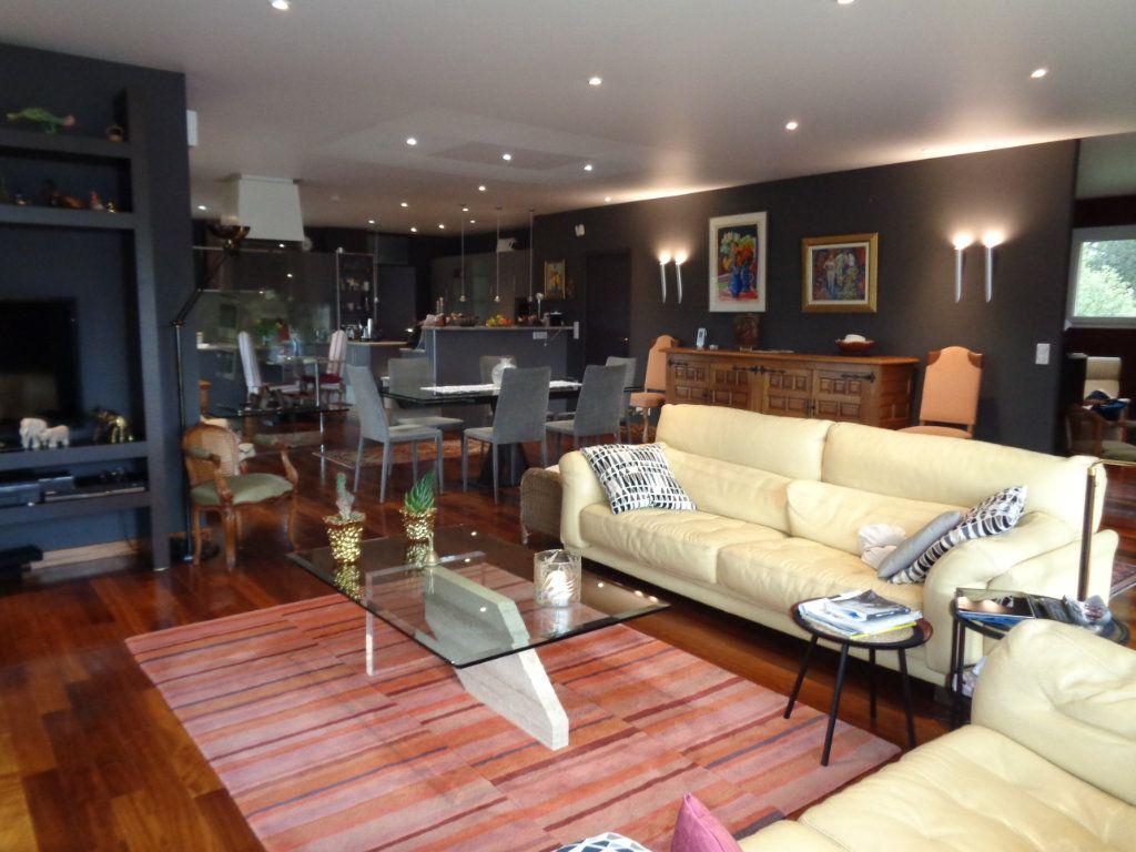 Appartement à vendre 4 163m2 à Vaison-la-Romaine vignette-5