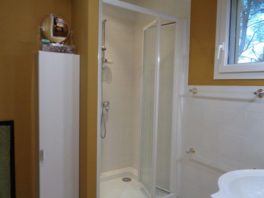 Appartement à vendre 4 163m2 à Vaison-la-Romaine vignette-8