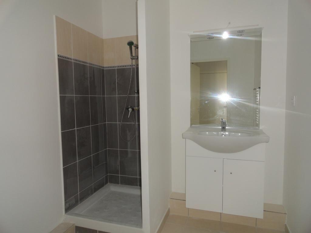 Appartement à louer 1 26.6m2 à Avignon vignette-4