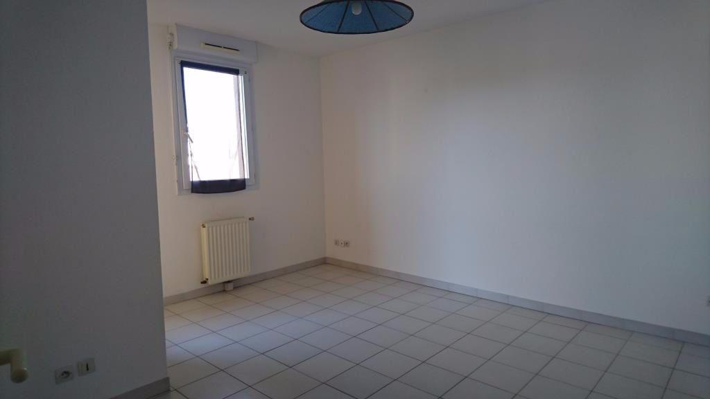 Appartement à louer 1 27m2 à Les Angles vignette-1
