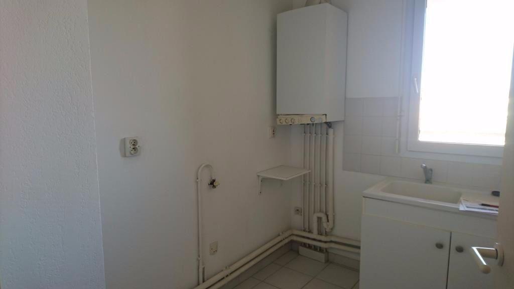 Appartement à louer 1 27m2 à Les Angles vignette-4