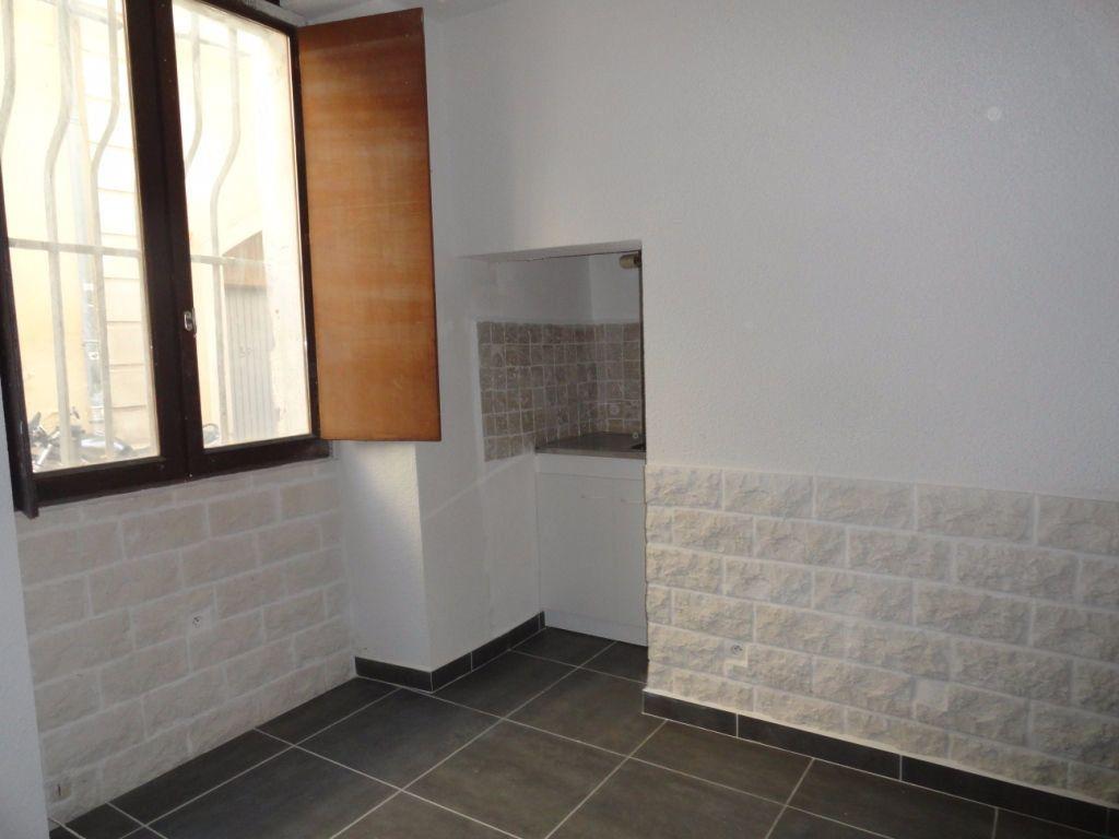 Appartement à louer 1 16.36m2 à Avignon vignette-1
